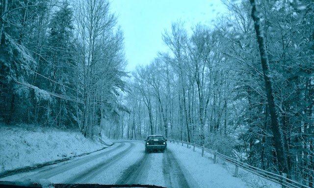 winter-driving.jpg.a14af241f812384ff86e0eeec5ecd85f.jpg